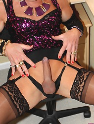Tgirl kim looking gorgeous in..